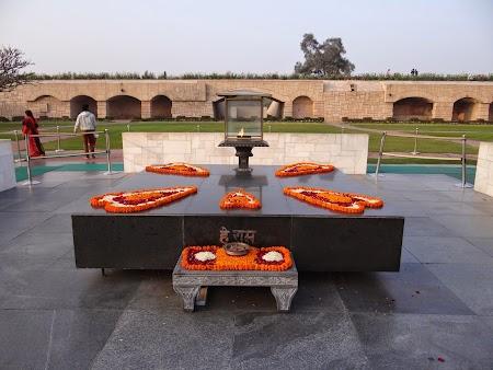 32. Raj Ghat - India.JPG