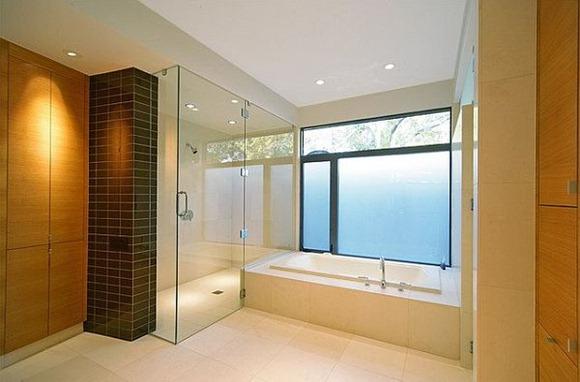 Mezcla de colores en baño luminoso, grande