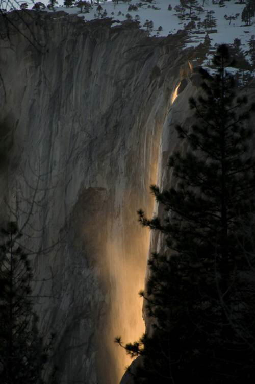 Fire Waterfall at Yosemite