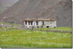 vers LEH 006 rumtse maison tibetaine