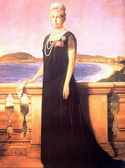 La Reina Cristina en una terraza del Palacio de Miramar,
