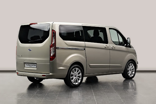 Ford-Tourneo-Concept-02.jpg