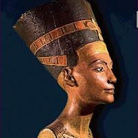 12.- Cabeza de Nefertiti