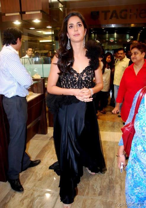 Katrina Kaif Beautiful Pics in Black Lace Dress 10