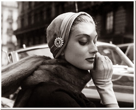 model-wearing-hat-by-jean-barthet-photo-by-regina-relang-paris-1954