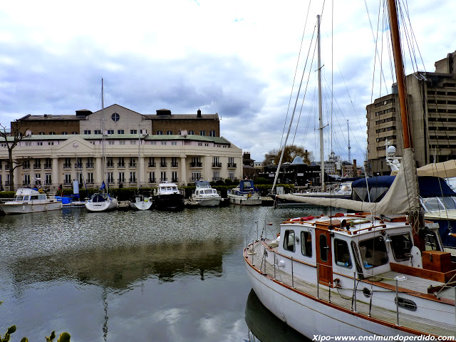st.katharine-docks-london.JPG