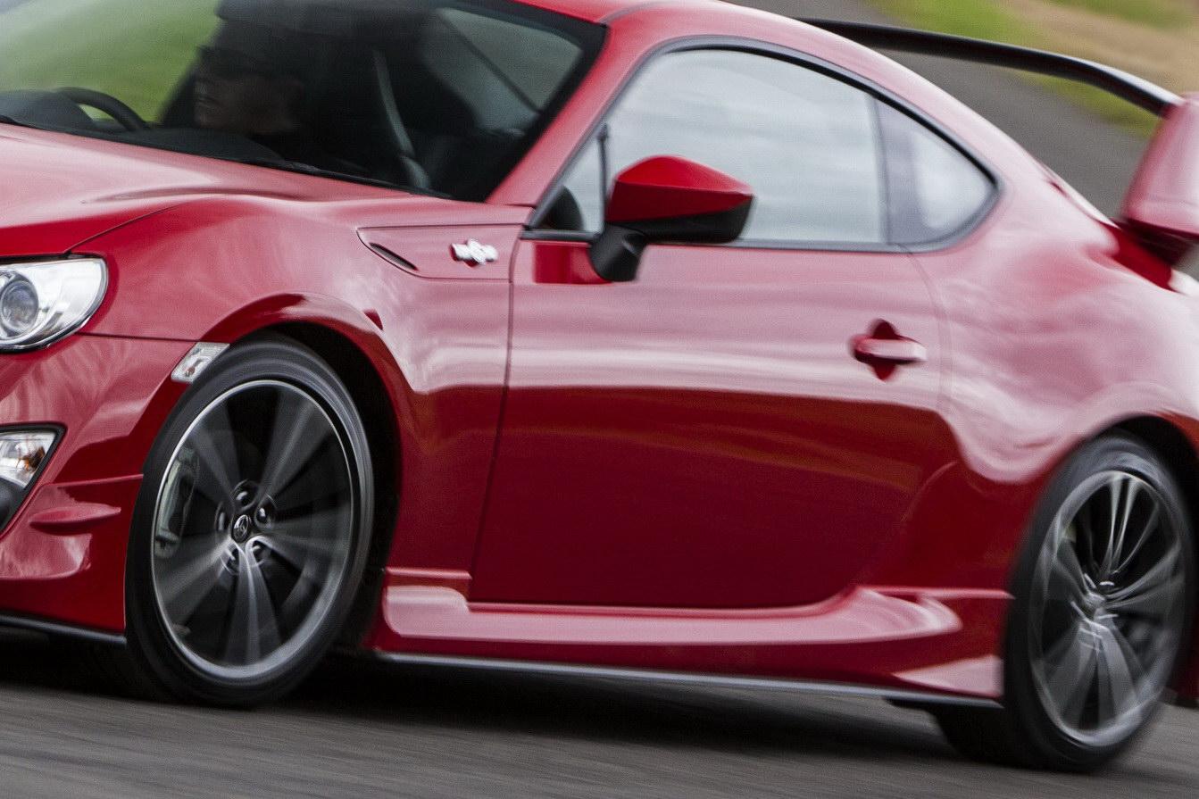 2012-Toyota-GT-86-Aero-Package-7.jpg?imgmax=1800