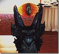 disfraz de ojo de sauron (1)