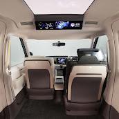 2013-Toyota-JPN-Taxi-concept-11.jpg