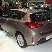 2013-Toyota-Auris-2.jpg
