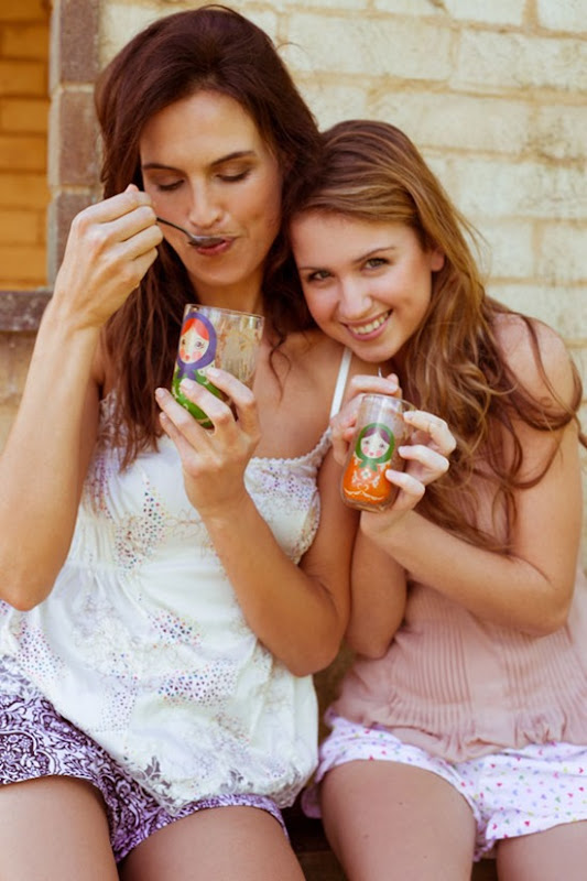 Model-Chocolate-Abigail-ONeill-with-daughter