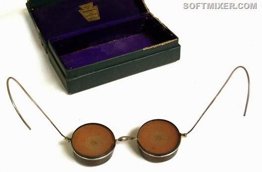 устройство для наложения на глаза радиоактивного компресса