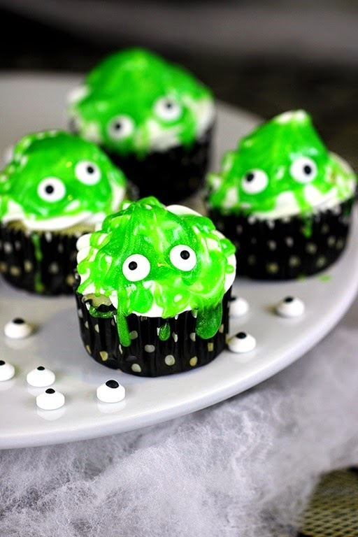 slimy-monster-cupcakes
