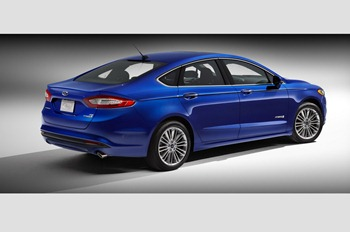 2013-Ford-Fusion-Hybrid-6[2]
