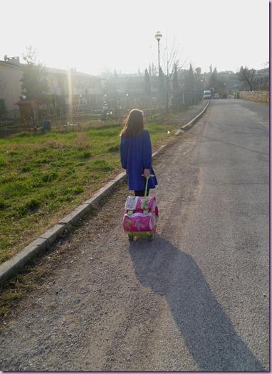 alice torna da scuola (2)