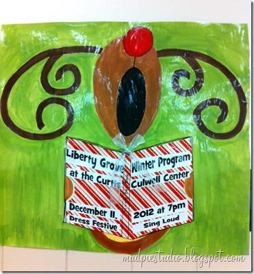 Reindeer bulletin board idea from mudpiestudio.blogspot.com #holiday #Christmas #school #music