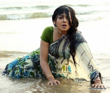 Bengali_actress_Sreelekha_Mitra_Hot_wet_picture (8)