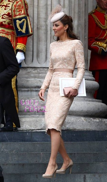 kate middleton in alexander mcqueen queen