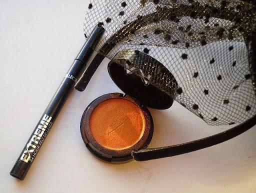 02-halloween-web-witch-makeup-look