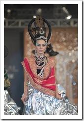 Ali-Xeeshan-bridal-2012-in-PFDC-LOreal-Paris-Bridal-Week-5