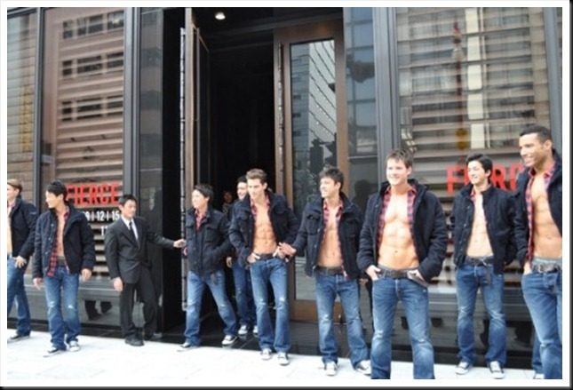 abercrombie_fitch_ginza_store_models_02-thumb-600x398-19767-500x331