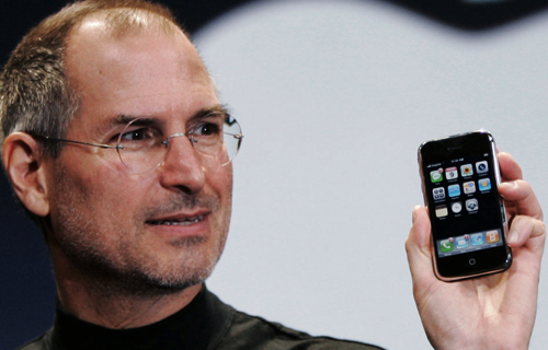 Steve jobs original 2007 iphone