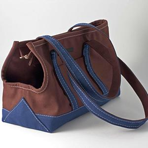 This dog carrier masquerades as a chic tote.(mungoandmaud.com)