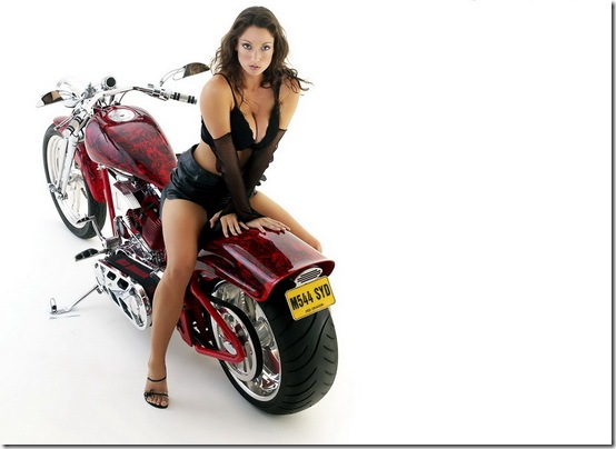 Hot-Babes-With-Bikes-21