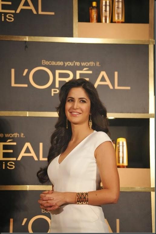 Katrina Kaif launches L'Oréal Paris '6 Oil Nourish'