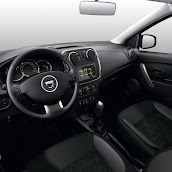 2013-Dacia-Logan-Sandero-Interior-5.jpg