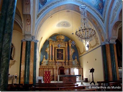 Interior de uma Igreja Católica Romana em Santorini