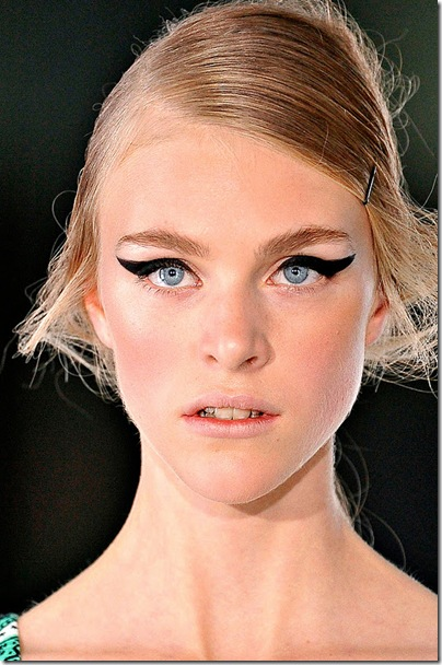 Dark eyes and natural lips at Jonathon Saunders