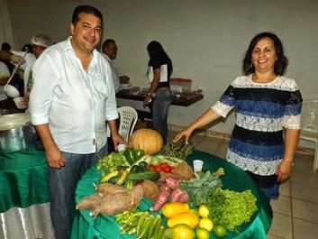 Prefeito de Buriticupu José Gomes e a Secretária de Educação Betel