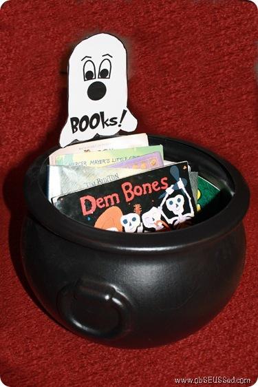 BOOks Cauldren Halloween ObSEUSSed