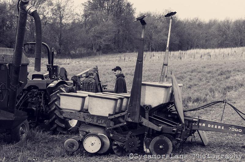 Farmer talk-SycamoreLane Photography