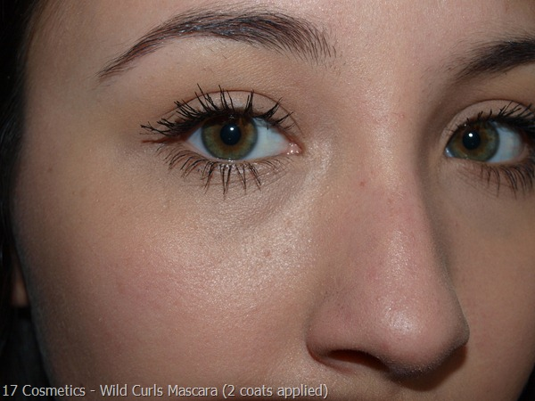 02-17-Cosmetics-Mascara-Review  Va Va Voom 2 coats