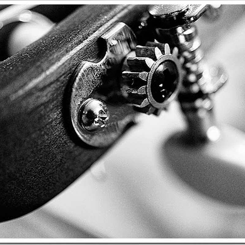 Handmade classical guitar public domain picture 3993