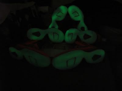 nike lebron 9 gr galaxy allstar 5 05 Your Nike LeBron 9 Galaxy Will Glow in the Dark!