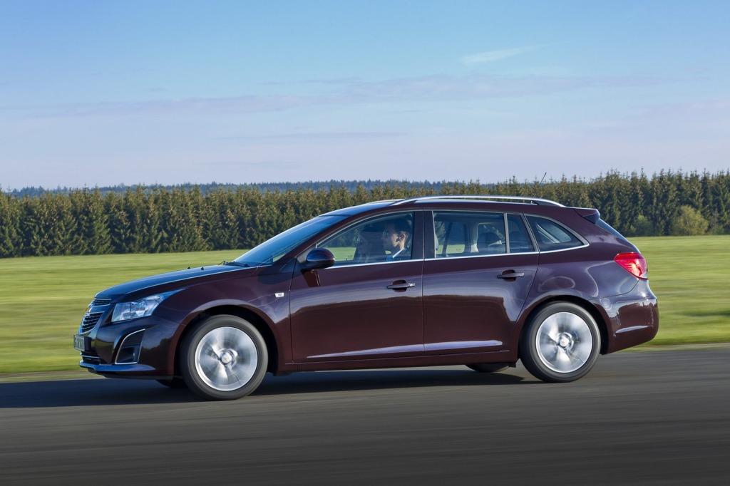 2013-Chevrolet-Cruze-Facelift-6.jpg?imgmax=1800