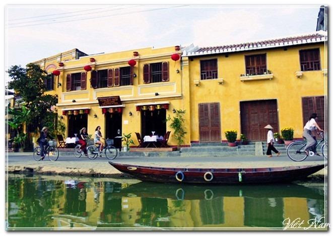Sắc vàng cổ kính đặc trưng của Hội An, Việt Nam