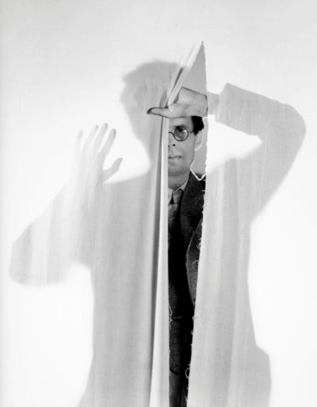 cecil beaton - aldous huxley 1936.jpg