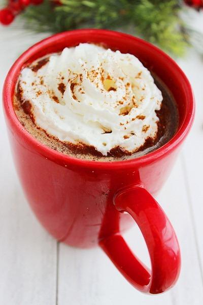 Mexican Hot Chocolate – Warm up with this quick 'n easy Mexican hot chocolate with cinnamon, vanilla + chili powder! | thecomfortofcooking.com