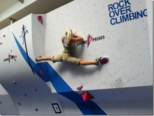 girls-rock-climbing-21
