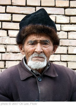 'Old Uyghur man in Kashgar (Old Town)' photo (c) 2007, Oli Lee - license: http://creativecommons.org/licenses/by-nd/2.0/