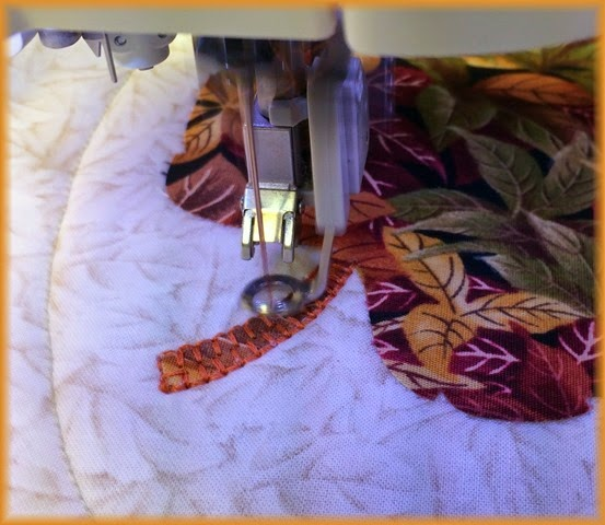 With precise cutting in the machine and careful ironing of the piece, the buttonhole stitches sit eactly where I want them. to