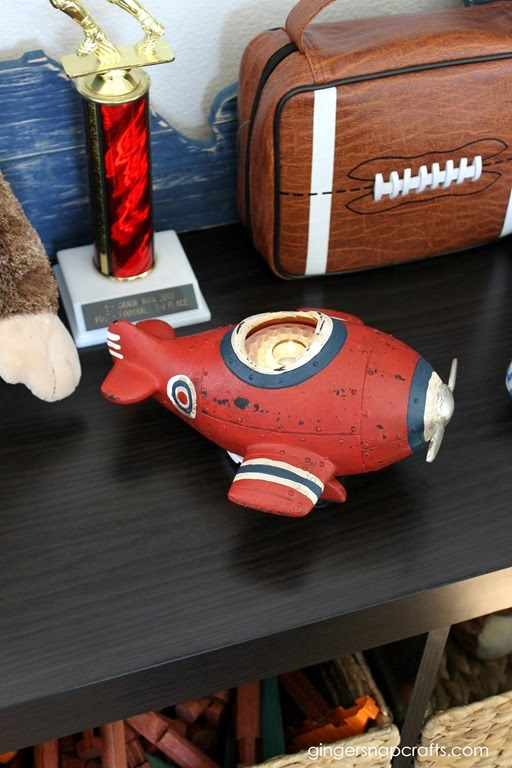 airplane decor for kid's rooms