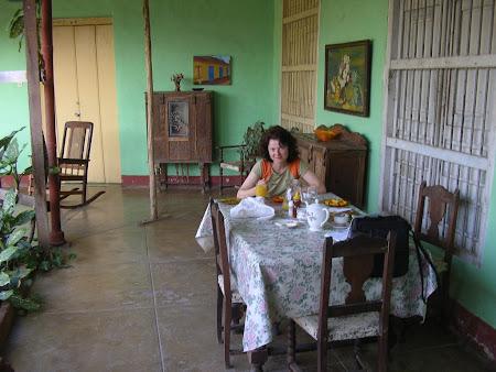 Cuba: Breakfast in Trinidad