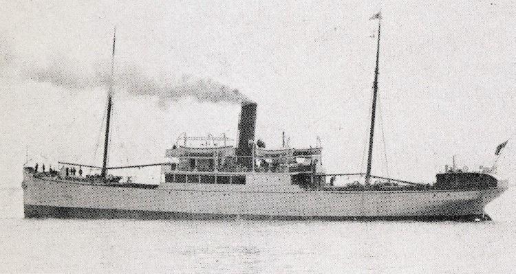 El vapor UNA, de la Bailey & Leetham Ltd. Del libro A Century of North Sea Passenger Steamers.JPG