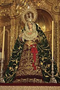 esperanza-guadix-vestida-para-la-coronacion-canonica-de-la-soledad-alvaro-abril-2012-(7).jpg