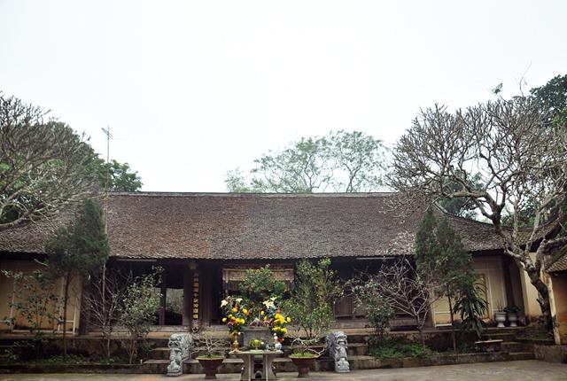 Đền thờ Phùng Hưng